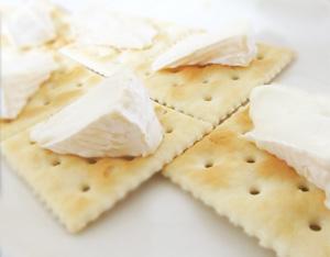 カマンベールチーズクラッカー